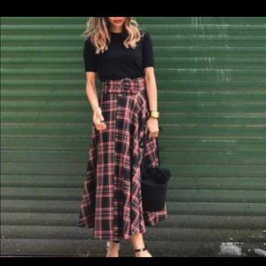 Zara midi plaid bloggers favorite skirt
